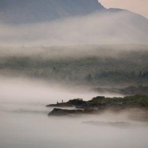 Veiðimenn í dulúð þokunnar við Þingvallavatn.