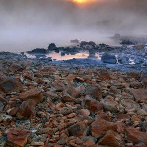 Á fögru sumarkvöldi við Austurengjahver í Krýsuvík.