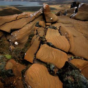 Veðursorfið móbergið á Sveifluhálsi er einkar áhugavert.