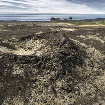 Fegurð fornra eldsvöðva – svipast um á Reykjanesi (drónavideó)